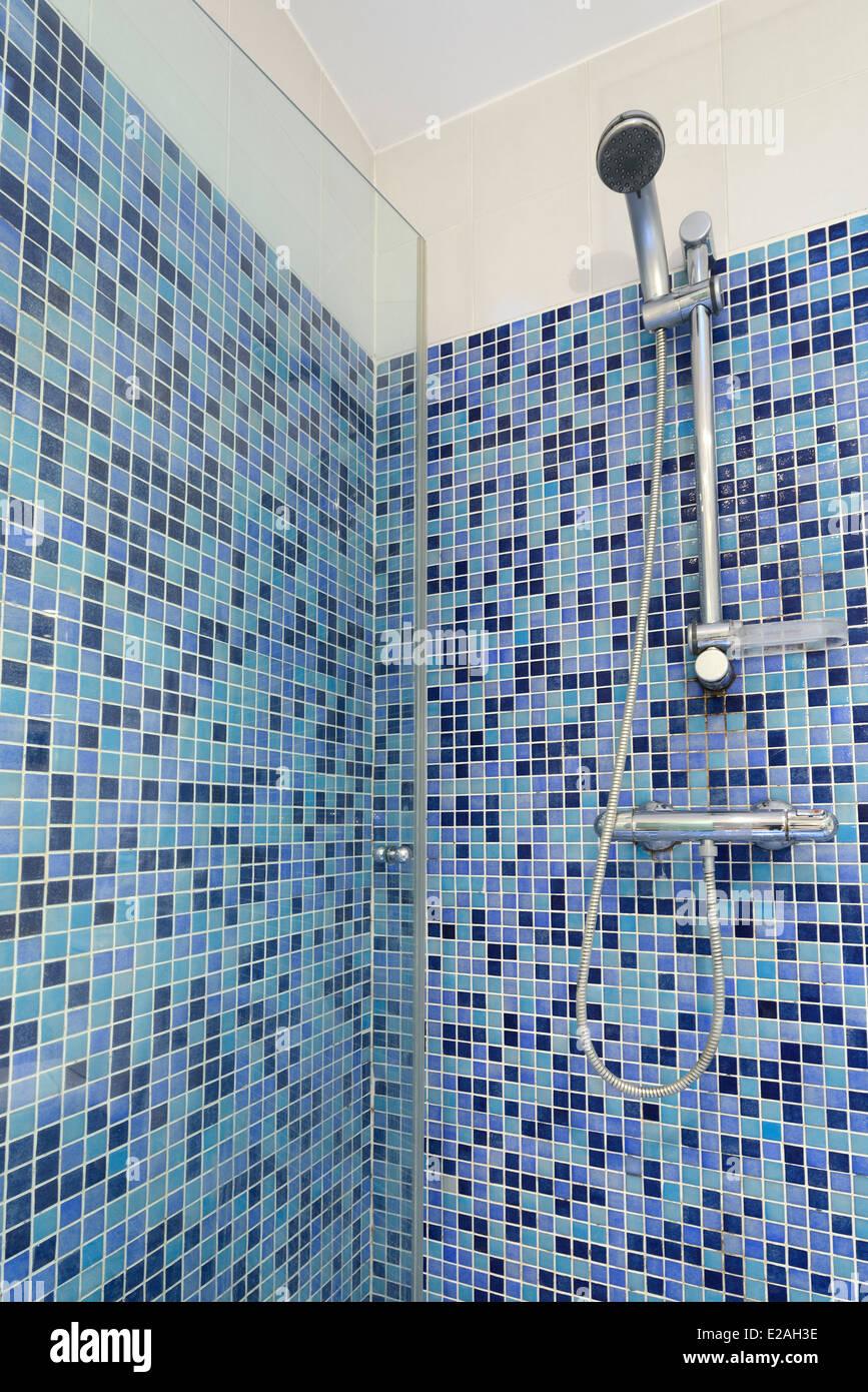 Bathroom Wall Tiles Stock Photos & Bathroom Wall Tiles Stock Images ...