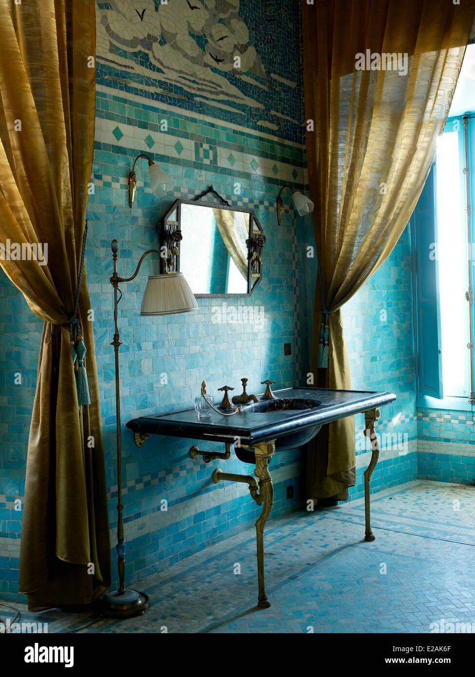 Art Deco Bathroom Stock Photos & Art Deco Bathroom Stock Images - Alamy