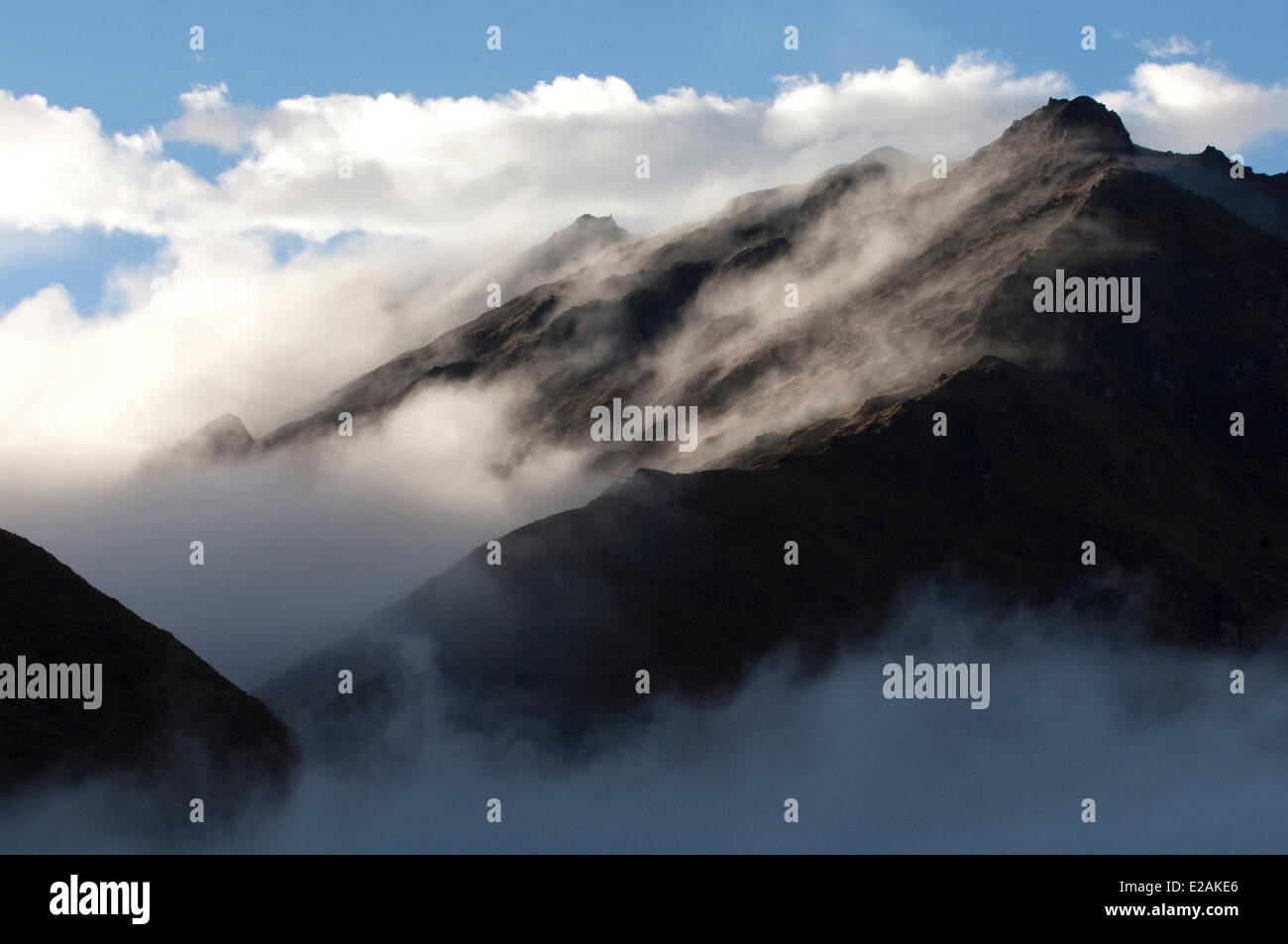 Peru, Carabaya Cordillera, Sinakara Range, Cuzco Province, Q'ero indigenous people, the ultimate descendants - Stock Image