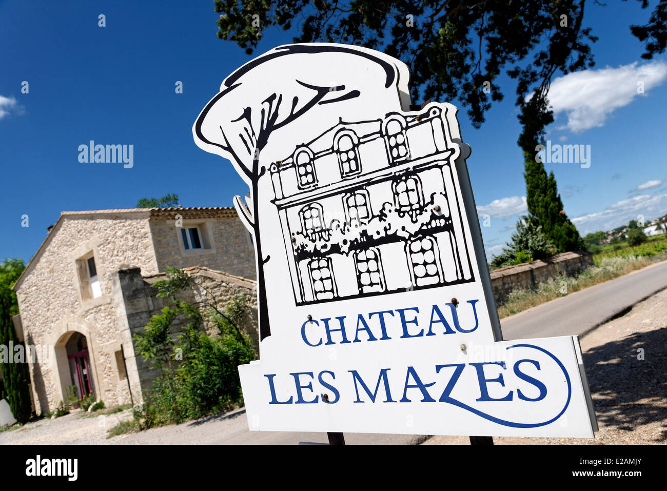France, Herault, Saint Aunes, Chateau les Mazes domain, sign of a vineyard - Stock Image