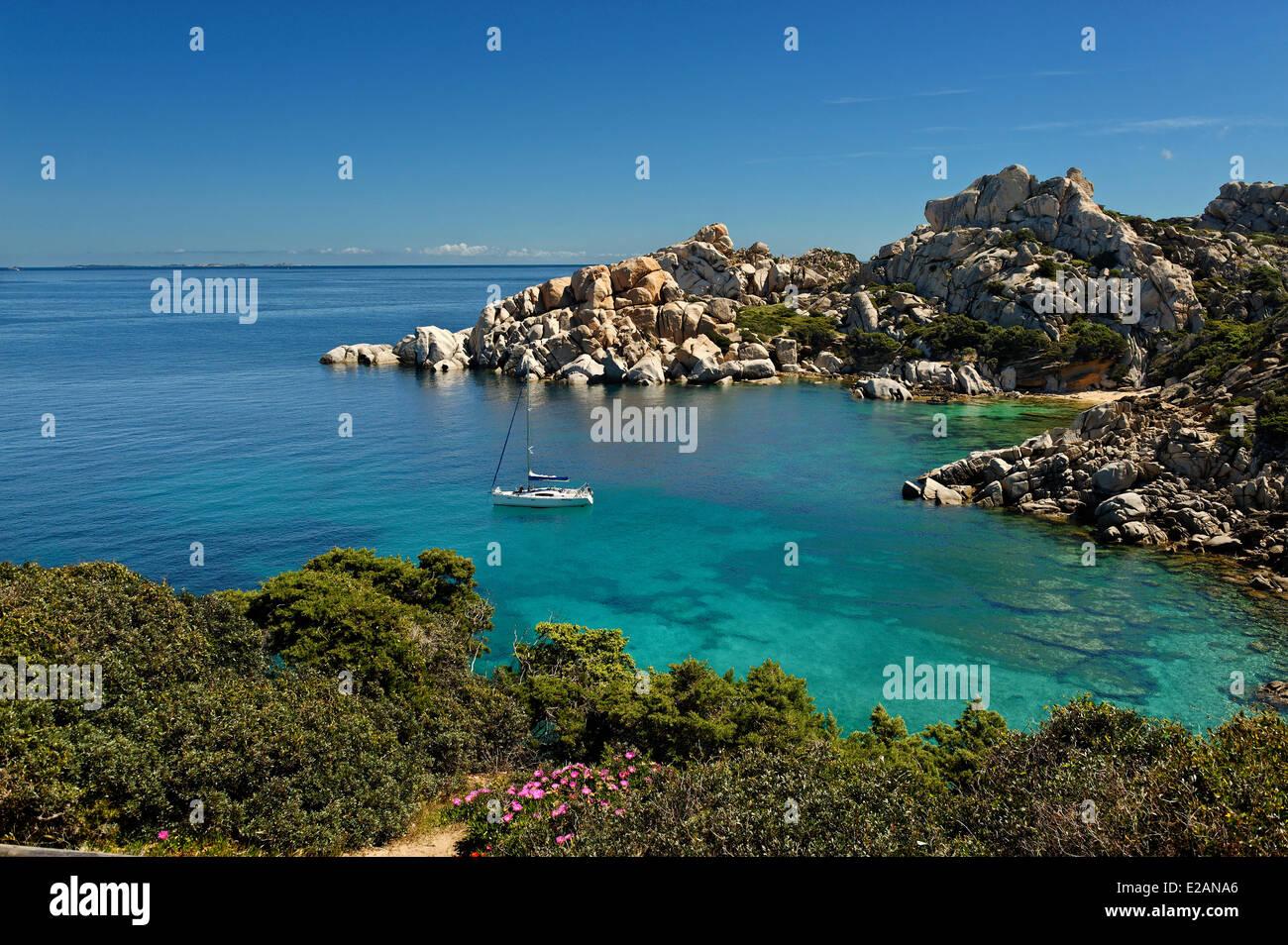 Italy, Sardinia, Olbia Tempio Province, Santa Teresa Gallura, Capo Testa, granite peninsula overlooking the Strait - Stock Image