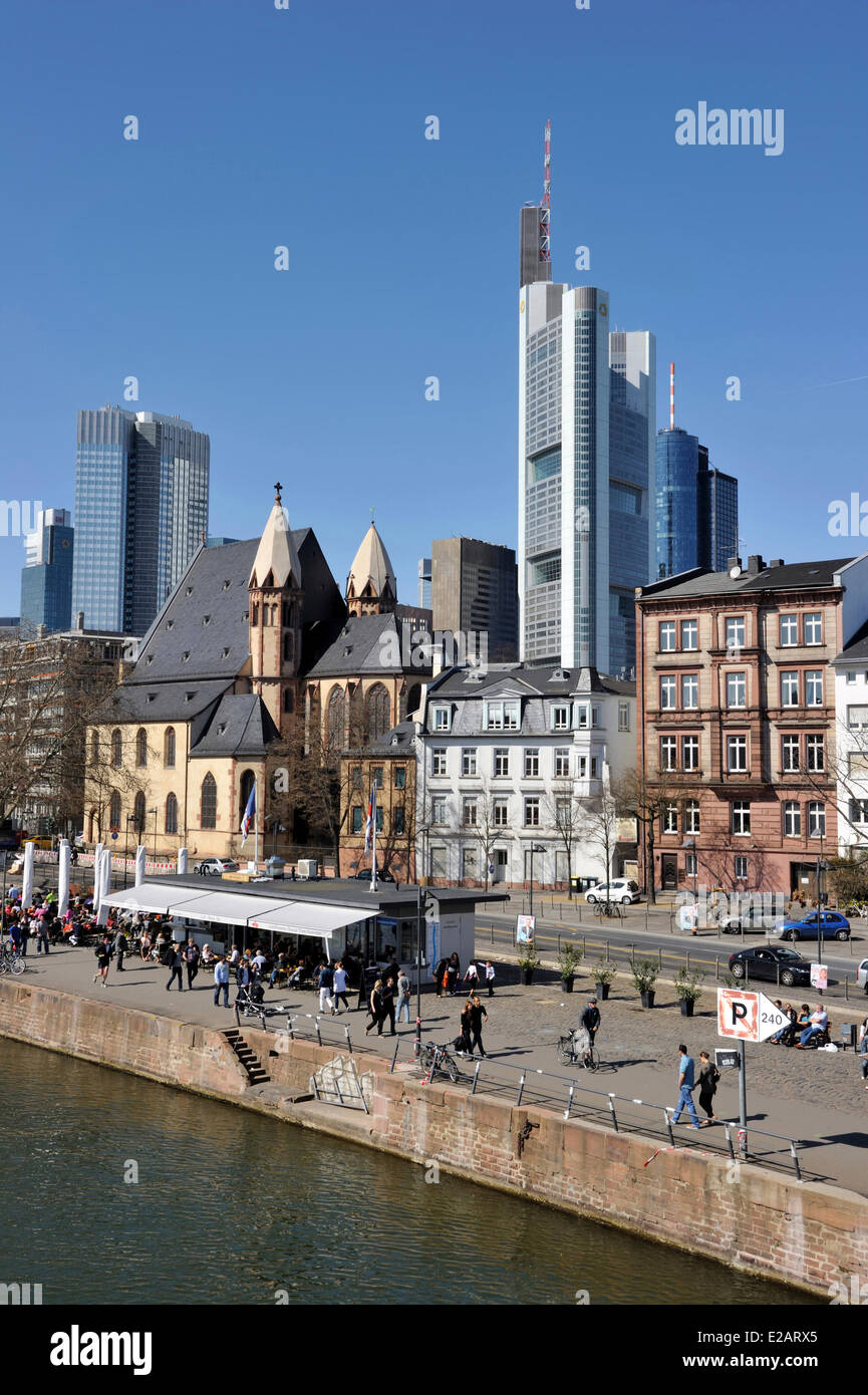 Germany, Hesse, Frankfurt am Main, View over river Main with skyline - Stock Image