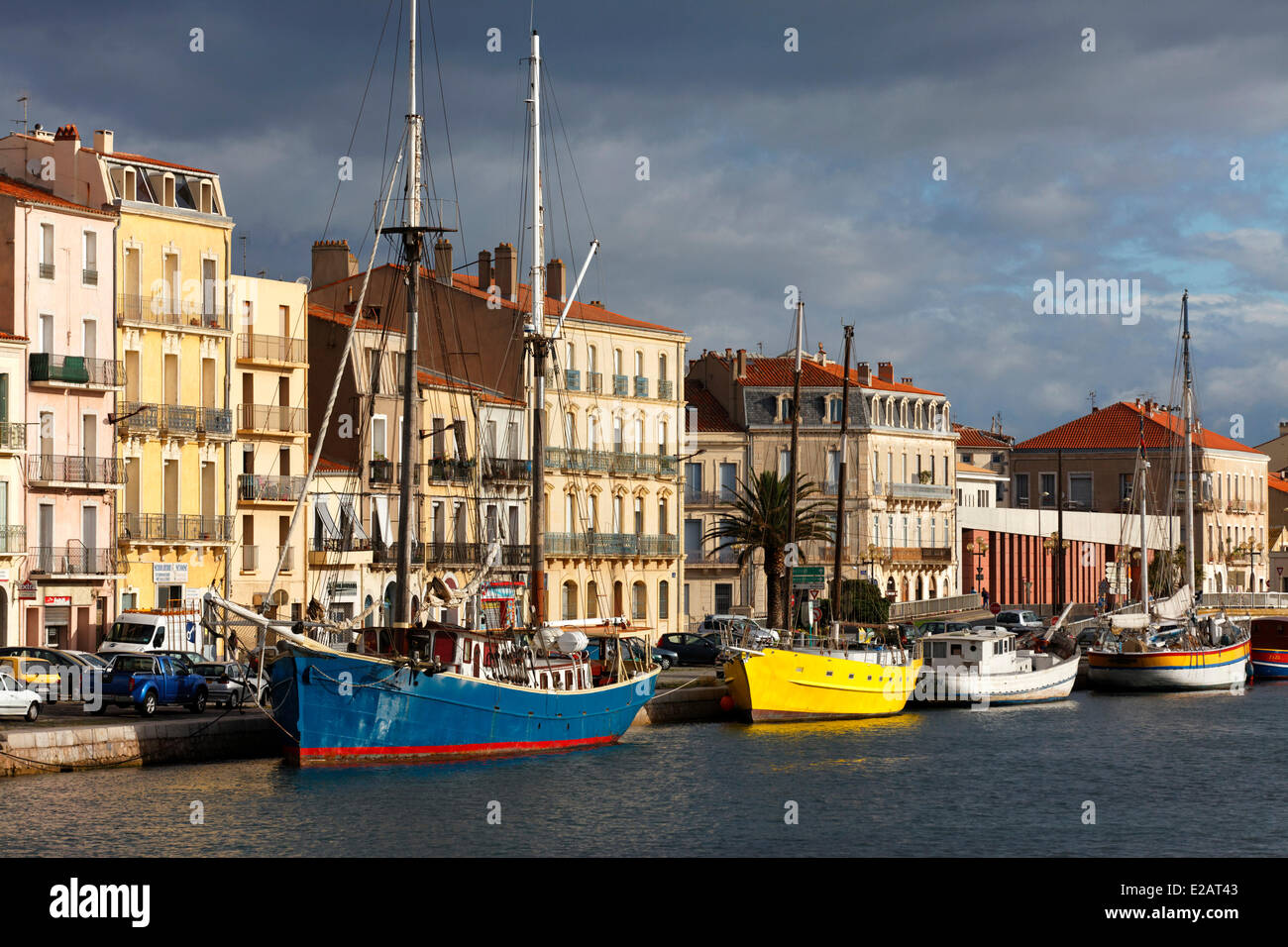 France, Herault, Sete, Canal Side, old rigging two mats on the Quai de la Republic - Stock Image