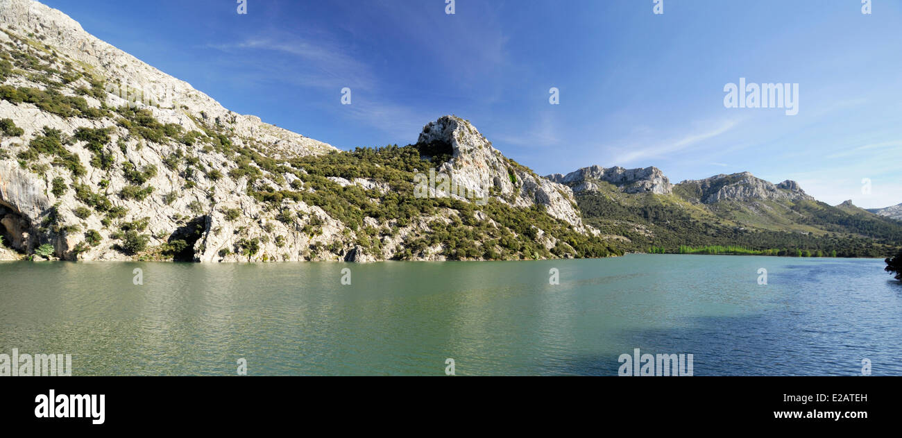 Spain, Balearic Islands, Mallorca, Gorg Blau, lake and barrage - Stock Image