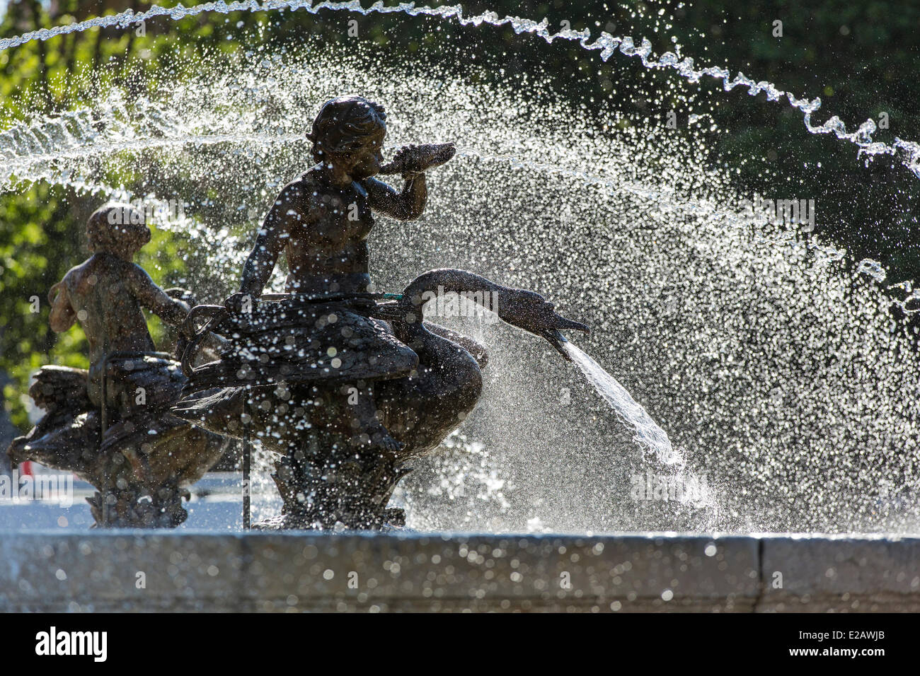 France, Bouches du Rhone, Aix en Provence, the Rotonde fountain - Stock Image
