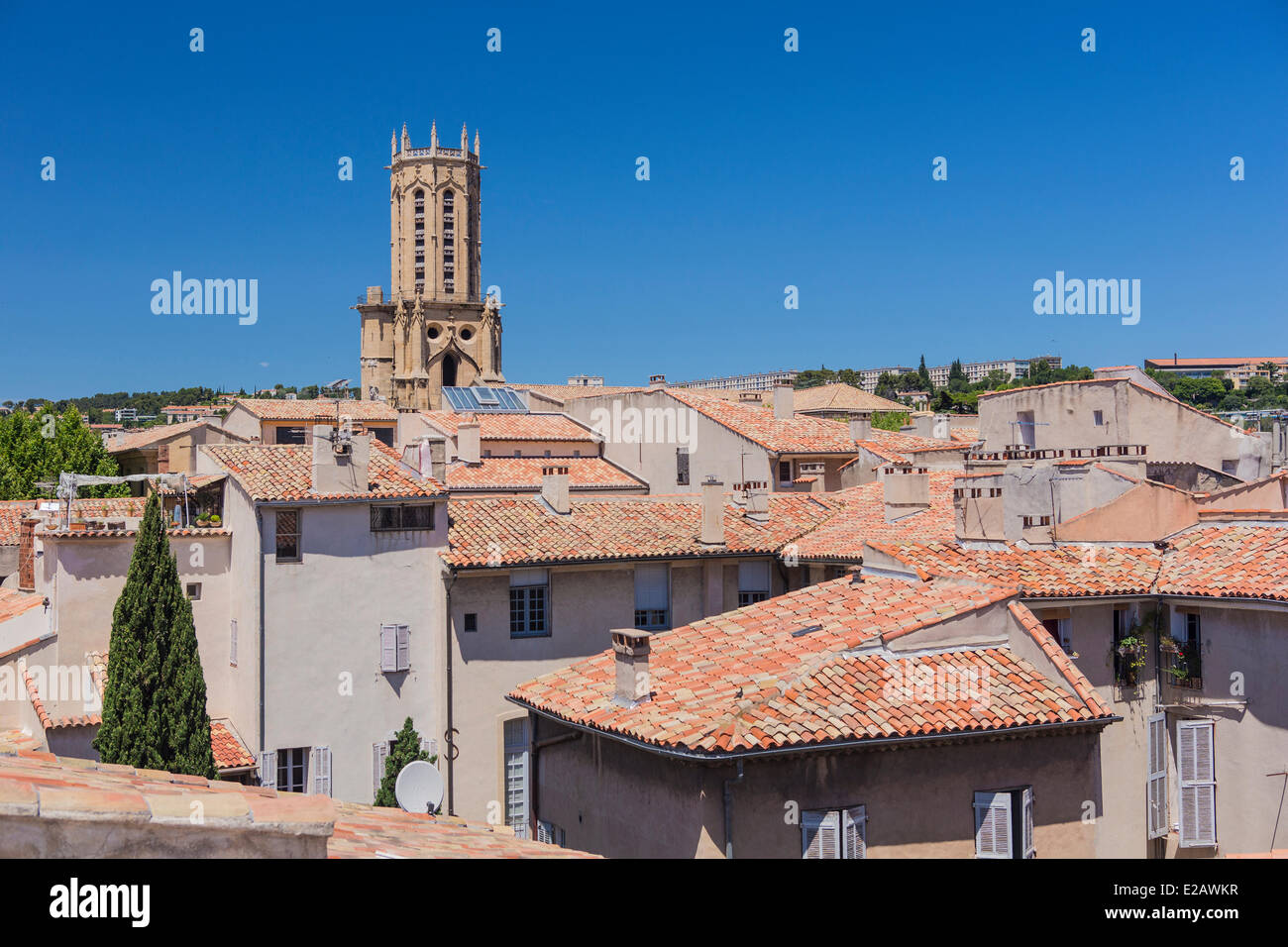 France, Bouches du Rhone, Aix en Provence, the roofs and cathedral Saint Sauveur - Stock Image