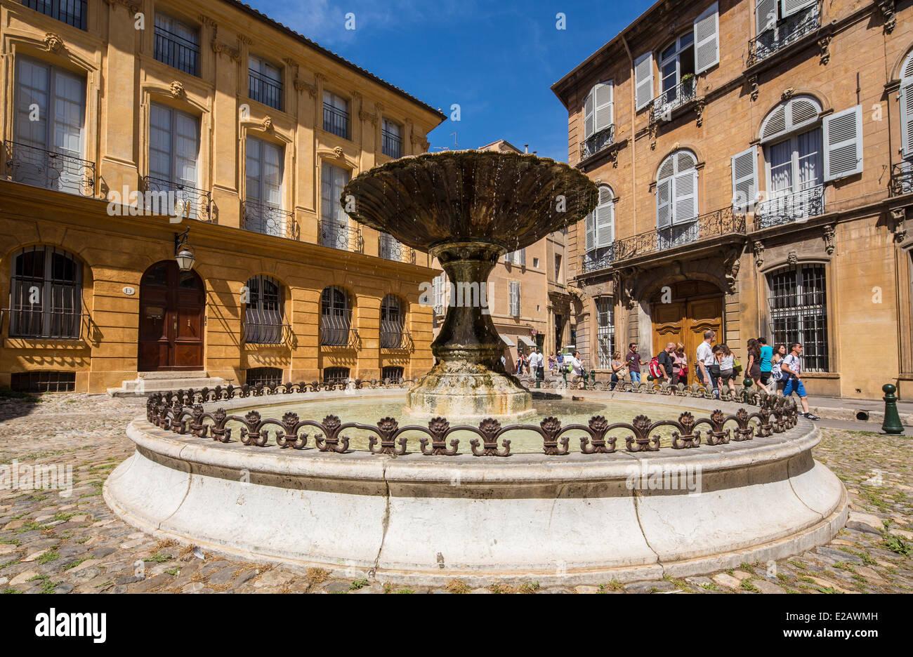 France, Bouches du Rhone, Aix en Provence, Place d'Albertas - Stock Image