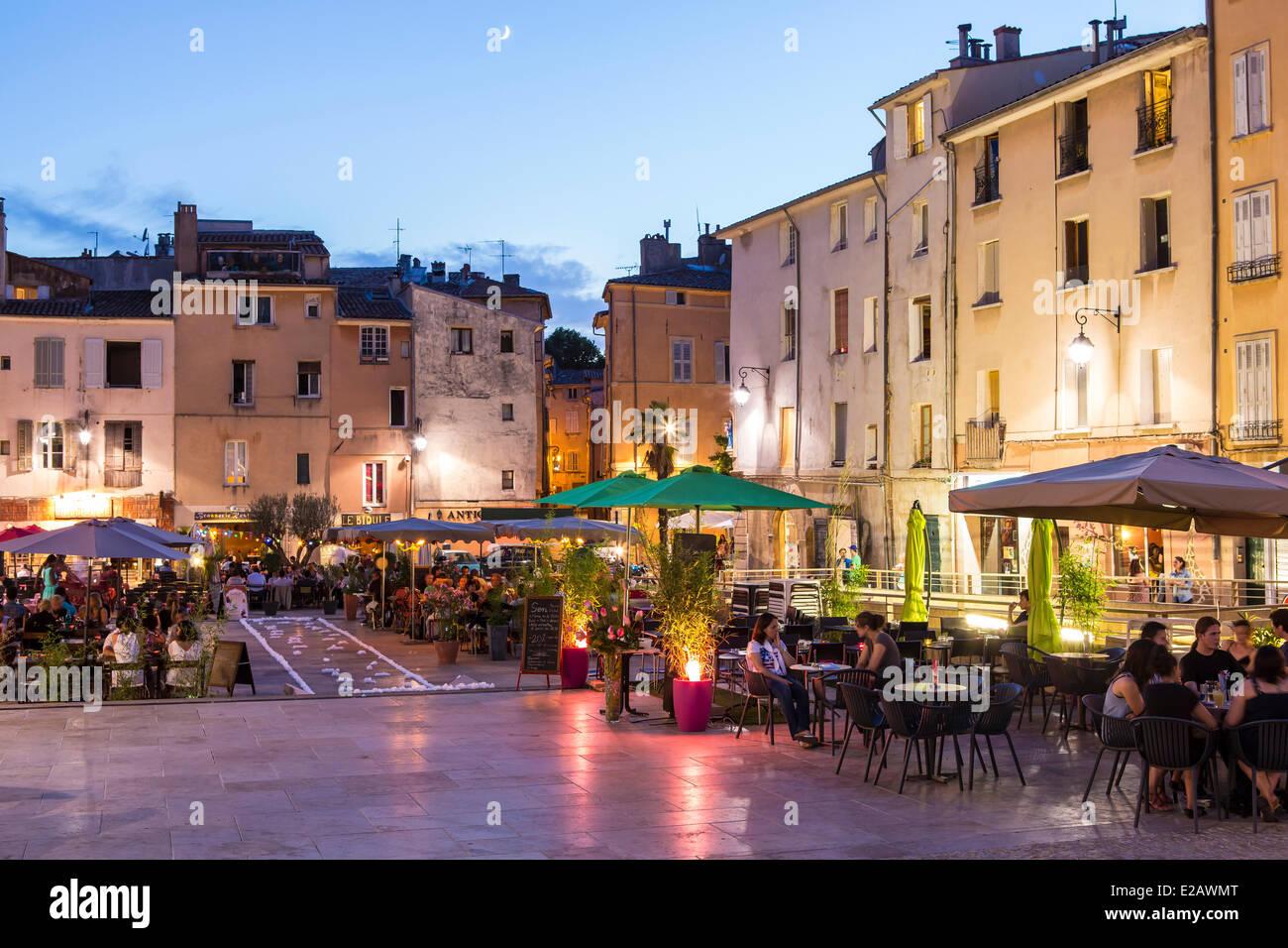 France, Bouches du Rhone, Aix en Provence, Place des Cardeurs - Stock Image