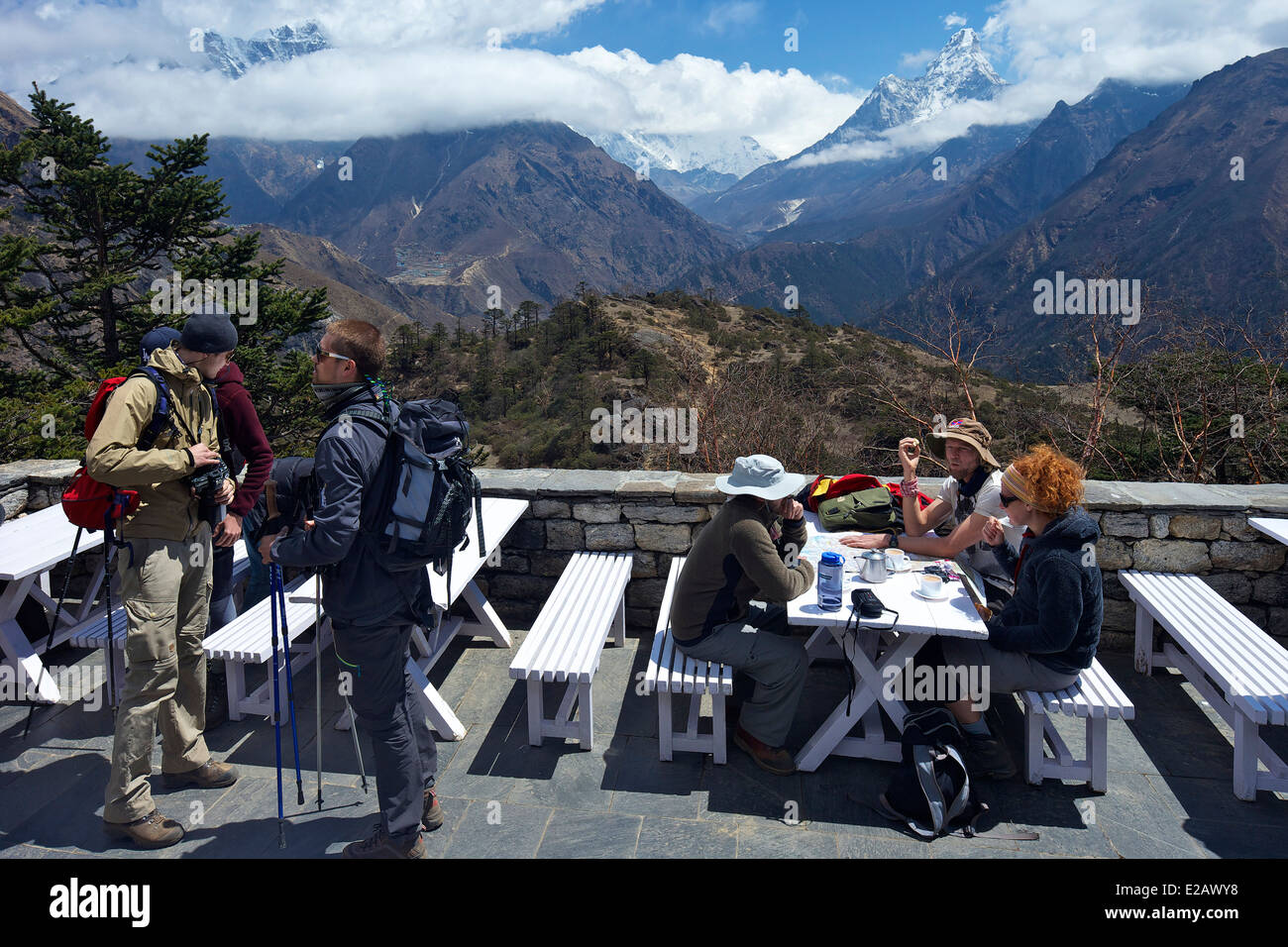 Trekkers at Everest View Hotel, Sagarmatha National Park, Nepal, Asia - Stock Image