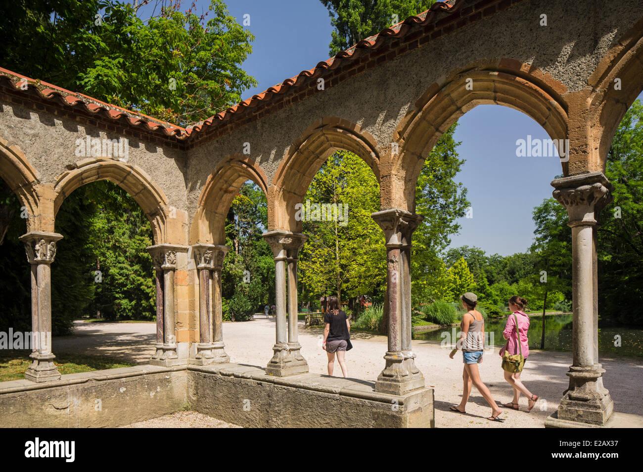 France, Hautes Pyrenees, Tarbes, cloister of Massey Garden - Stock Image