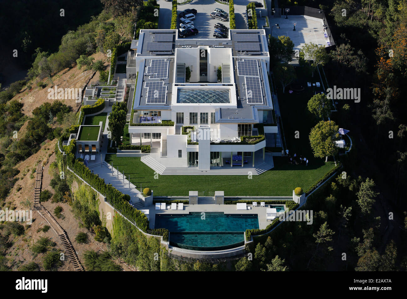 United states california los angeles hollywood hills for Buying a house in los angeles