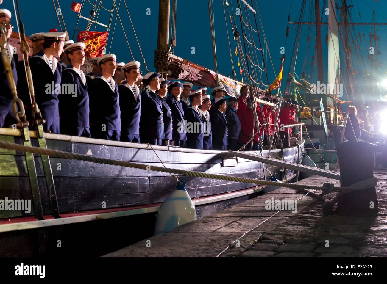 France, Herault, Sete, Quai du General Durand, Maritime Traditions Festival, the National Marine crew in rank aboard - Stock Image