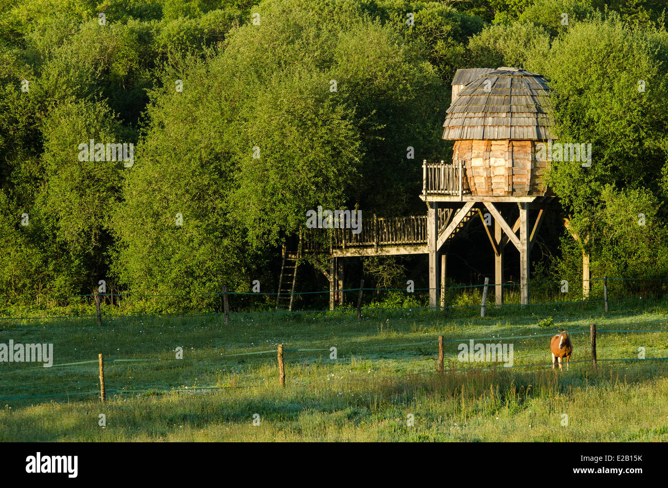 Cabanes De Bretagne Moustoir Ac ac wood stock photos & ac wood stock images - alamy