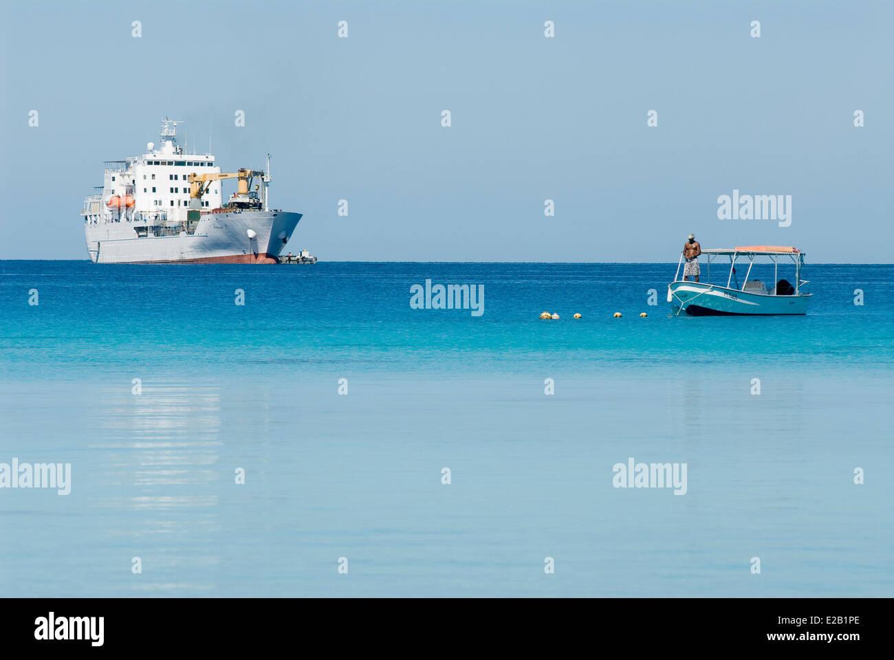 France, French Polynesia, Tuamotu islands, Rangiroa Atoll, cruise aboard the cargo ship Aranui 3, the cargo and - Stock Image