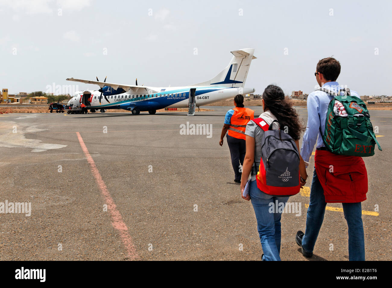 Cape Verde, Sal, airport, passengers boarding a island hopping flight - Stock Image