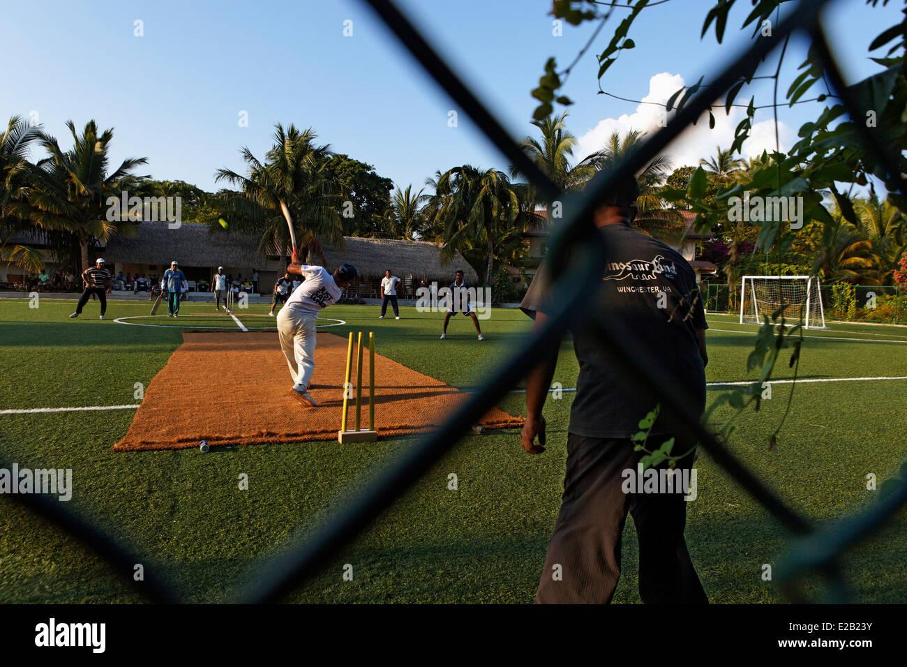 Maldives, Atoll Rasdhoo, Kuramathi hotel, cricket game - Stock Image