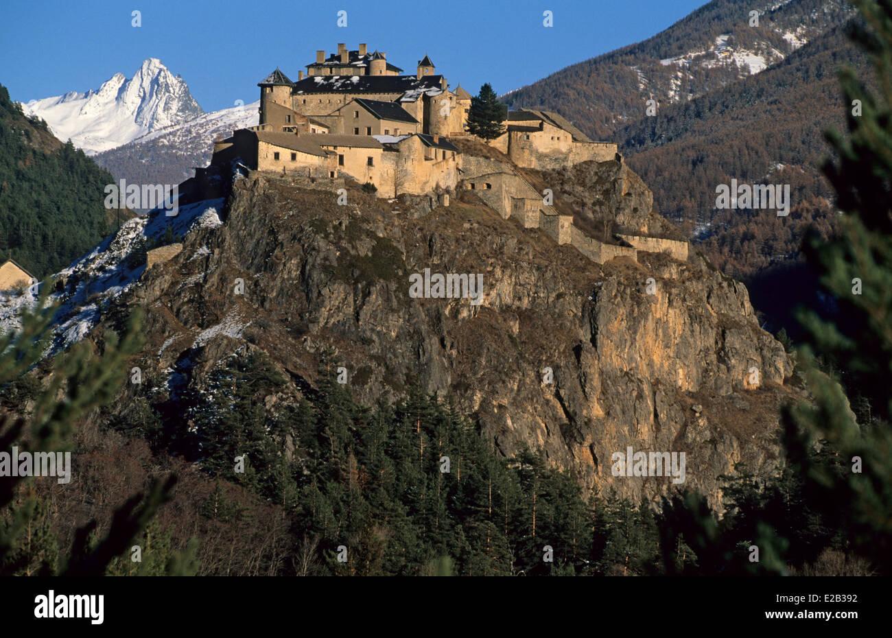 france hautes alpes chateau ville vieille fort queyras. Black Bedroom Furniture Sets. Home Design Ideas