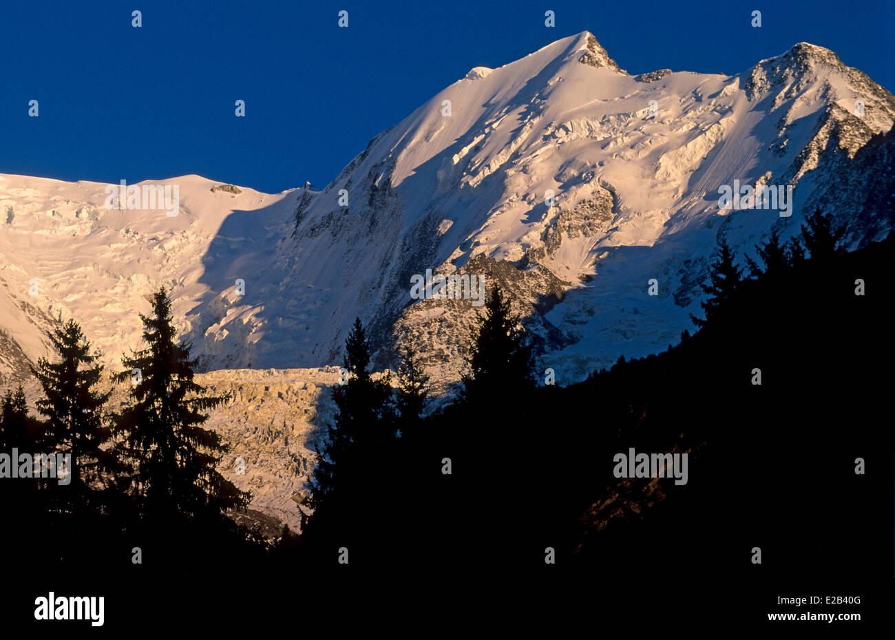 France, Haute Savoie, Mont Blanc Massif, Chamonix, Dome de Miage, Arete de Bionnassay and Aiguille du Gouter - Stock Image