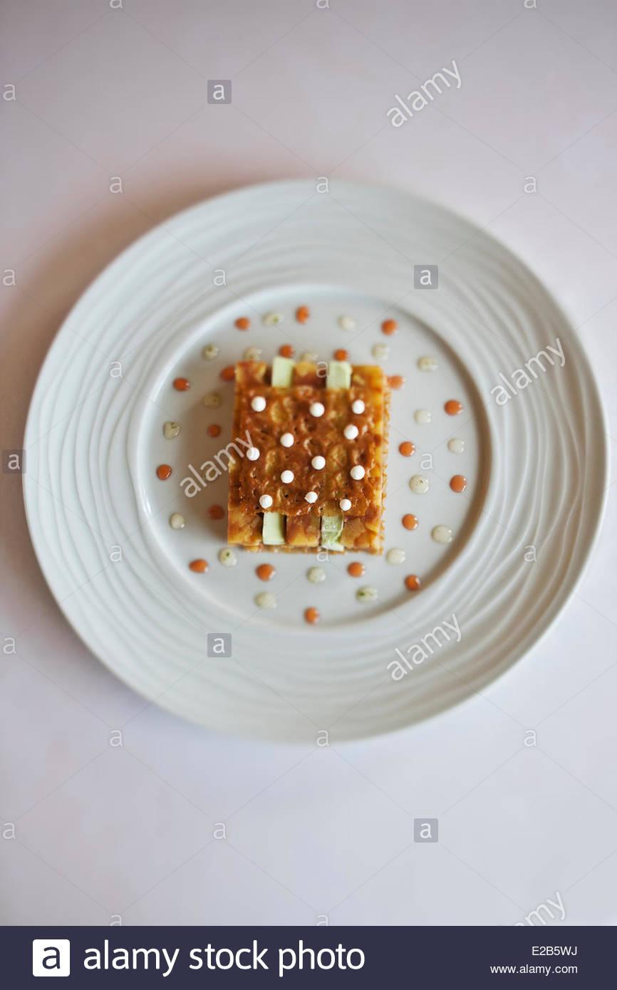 France, Ille et Vilaine, Noyal sur Vilaine, pressed quince ice tarragon recipe by Sylvain Guillemot, Chef of the - Stock Image