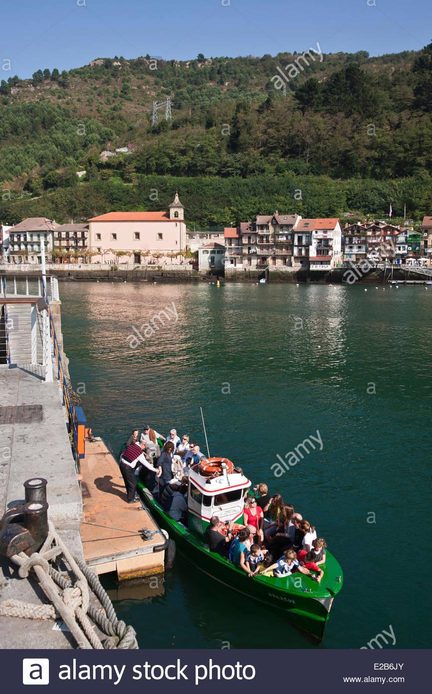 Spain, Basque Country, Guipuzcoa Province, Pasaia Donibane, boat Pasaia bus from San Pedro (San Pedro Pasajes) - Stock Image