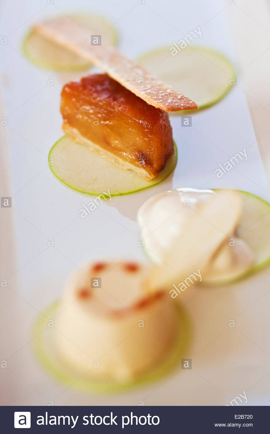 France, Morbihan, Billiers, Apple declination, recipe Patrice Caillault Domaine de Rochevilaine the Pen Lan - Stock Image