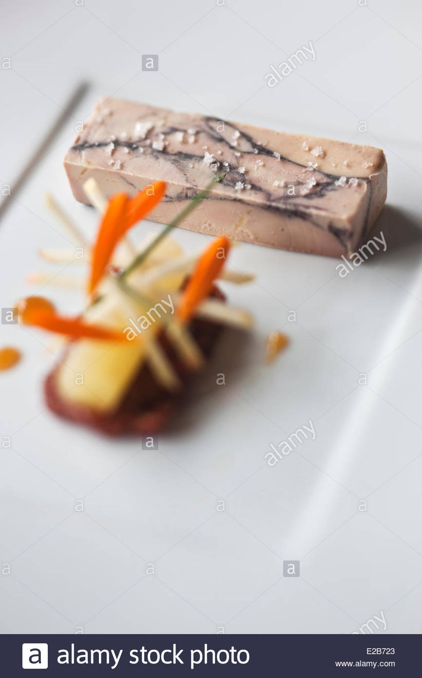 France, Morbihan, Vannes, foie gras, Marbled juices of red wine, figs chutney, spiced apple, recipe restaurant Olivier - Stock Image