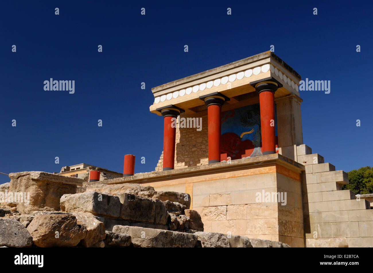 greek mythology and b knossos c Ancient origins articles related to knossos in the sections of history, archaeology, human origins, unexplained, artifacts,  in greek mythology, the labyrinth was.