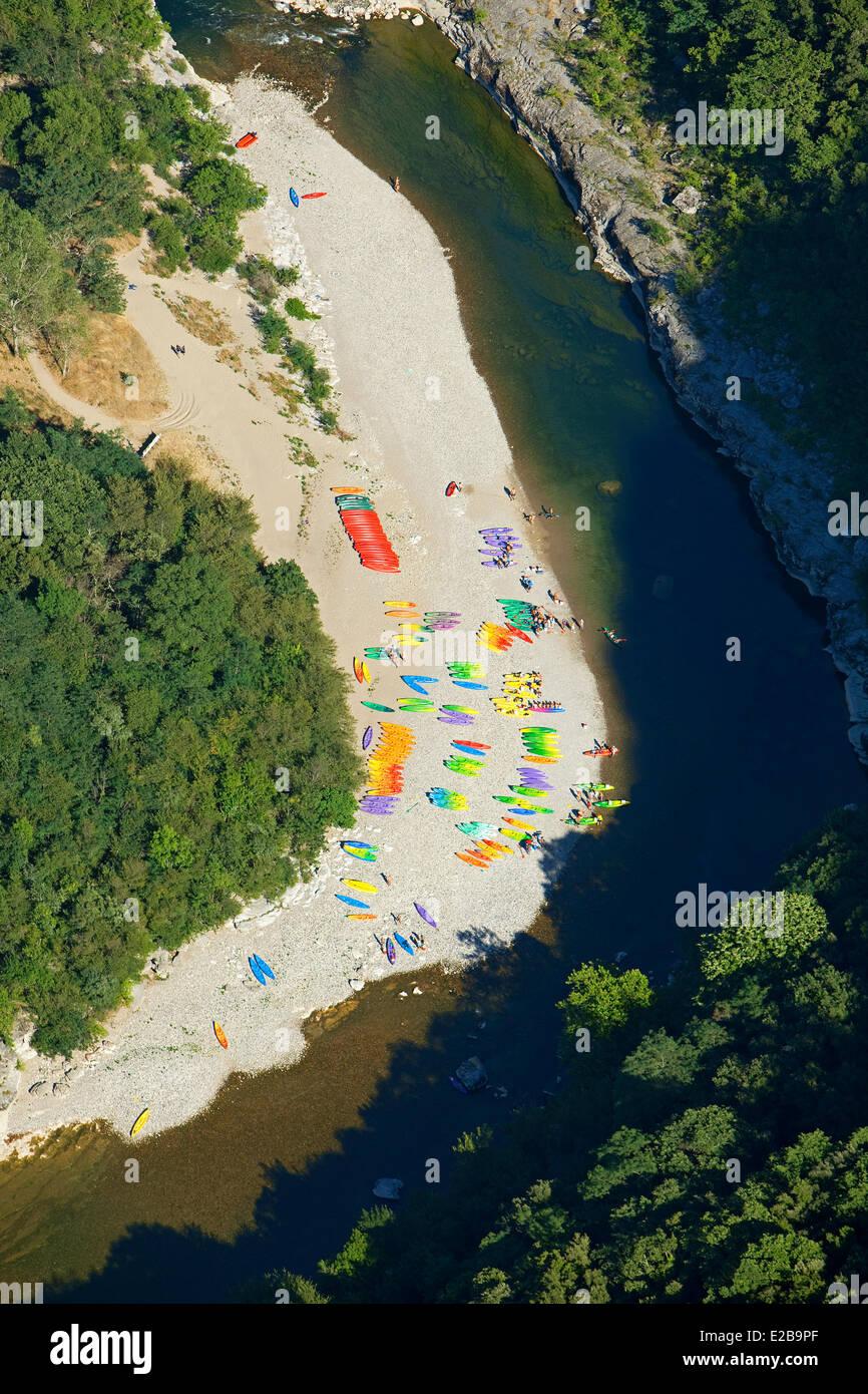 France, Ardeche, Gorges de l'Ardeche, canoe descent (aerial view) - Stock Image