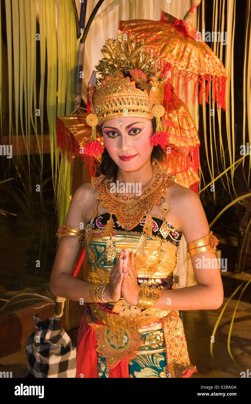 Indonesia, Bali, Jimbaran, Orient Express Hotel Jimbaran Puri Bali, legong dance, dancer - Stock Image