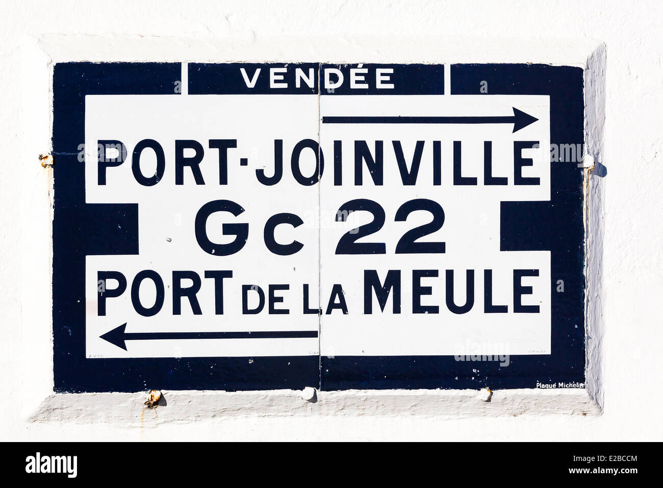 France, Vendee, Ile d'Yeu, old road sign - Stock Image