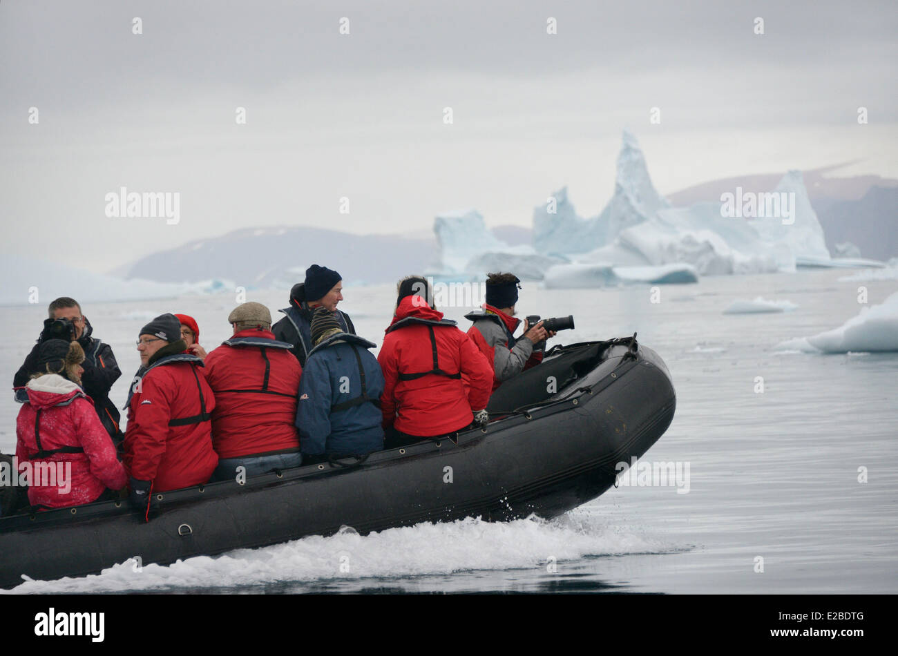 Greenland, Melville Bay, Cape York, Cruising along drifting icebergs - Stock Image