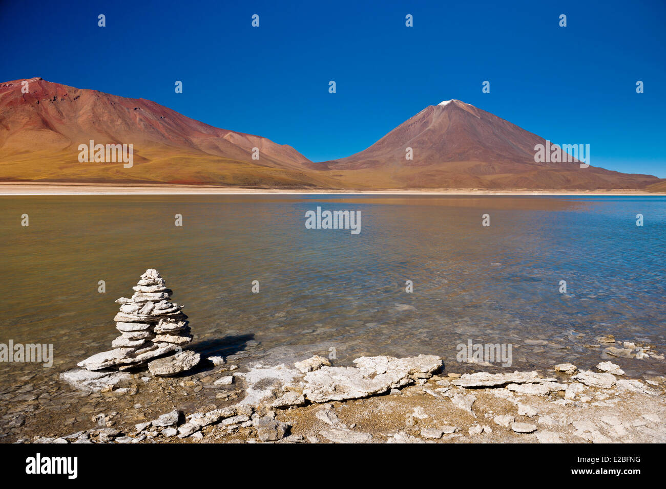 Bolivia, Potosi Department, Sur Lipez Province, Eduardo Avaroa Andean Fauna National Reserve, Licancabur volcano - Stock Image