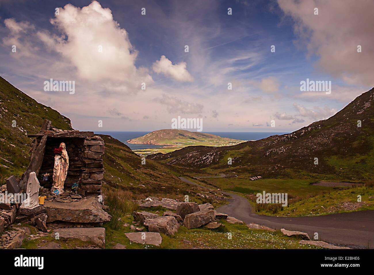Religious shrine and St Columbas holy well at Mamore Gap, Urris Hills, Inishowen Peninsula, County Donegal, Ireland, - Stock Image