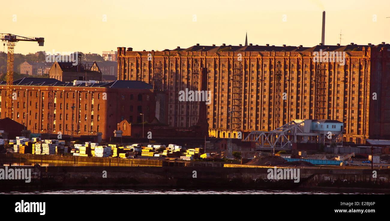 Stanley Dock Tobacco Warehouse Liverpool world's largest brick warehouse Stock Photo