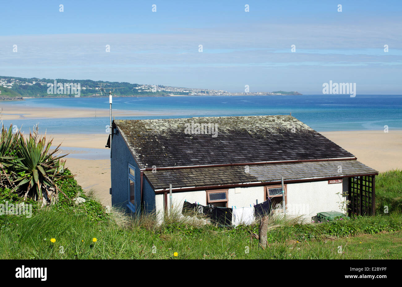 A Chalet overlooking the beach at Hayle in Cornwall, UK - Stock Image