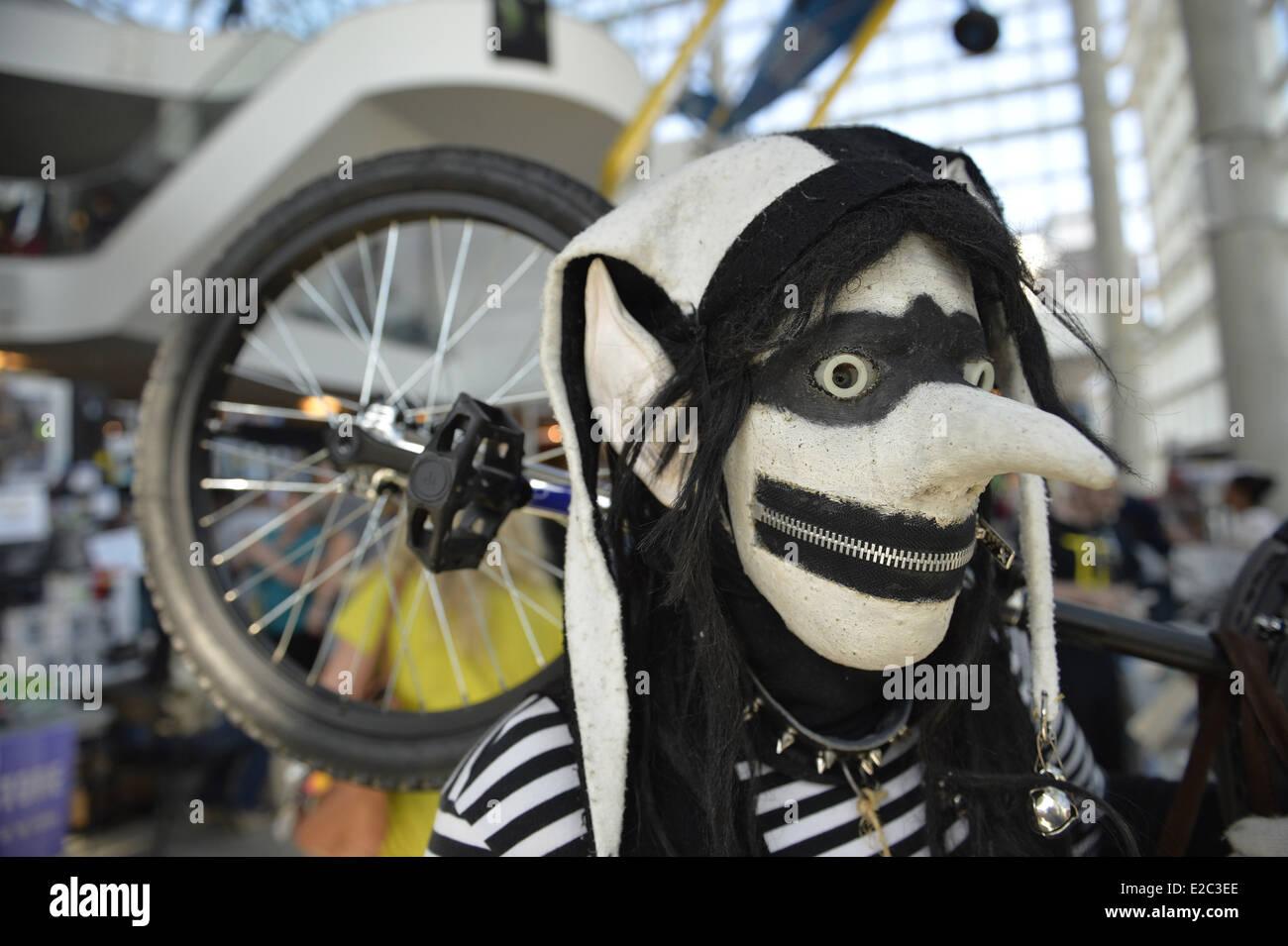 Garden City, New York, USA. 14th June, 2014. ZIPPY DEE THE WONDER DUMMY, from Long Island, has a mouth zipped shut Stock Photo