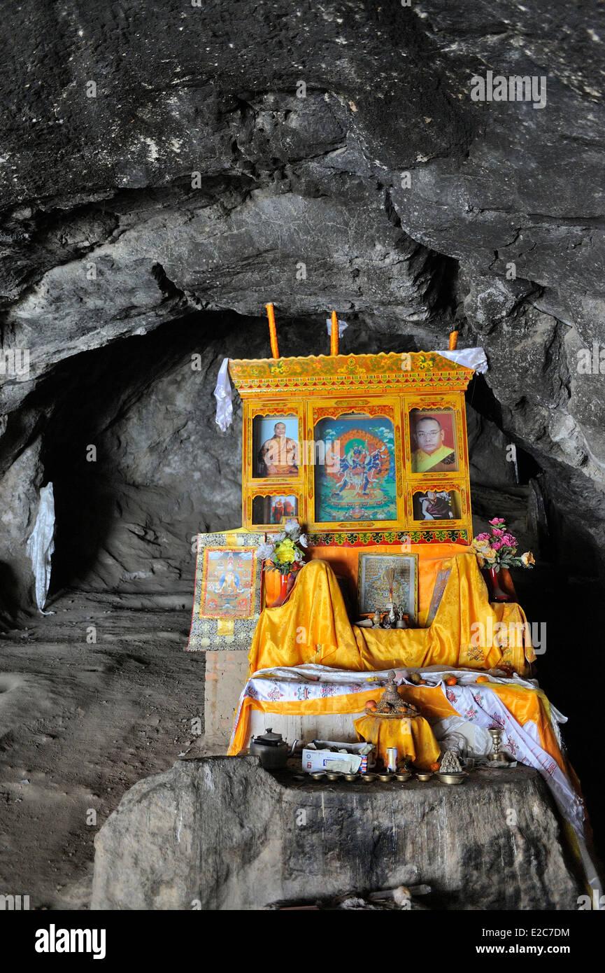 China, Gansu Province, Amdo, Xiahe county, Ganjia, Nekgang cave - Stock Image