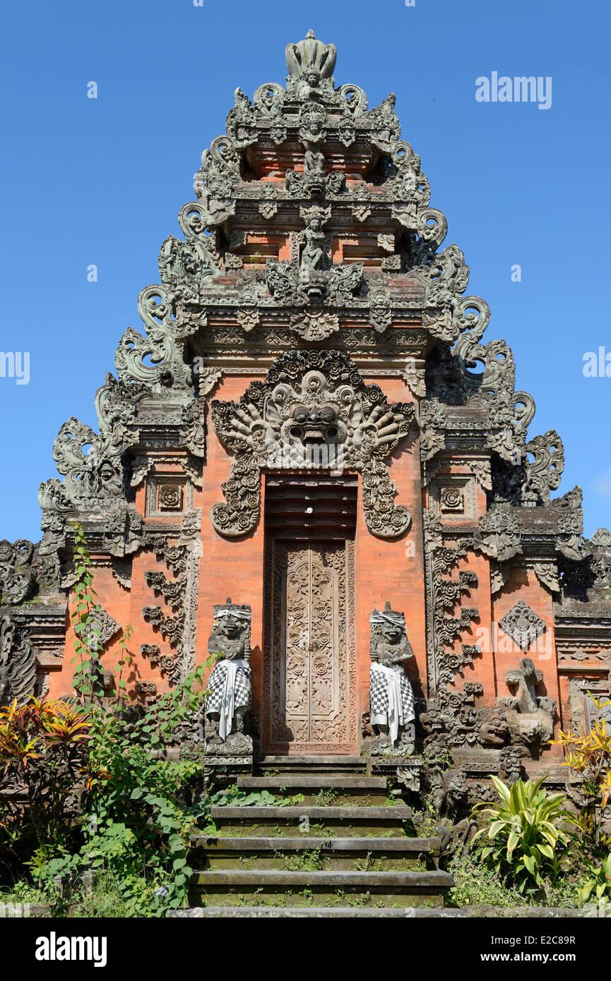 Indonesia, Bali, Ubud, temple door - Stock Image