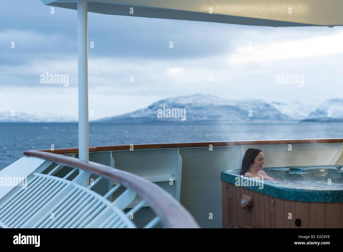 Ship Jacuzzi Stock Photos & Ship Jacuzzi Stock Images - Alamy