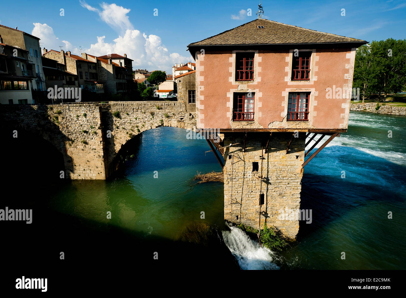 France, Aveyron, Natural Regional Park of Grands Causses, Millau, old mill on Pont Vieux - Stock Image