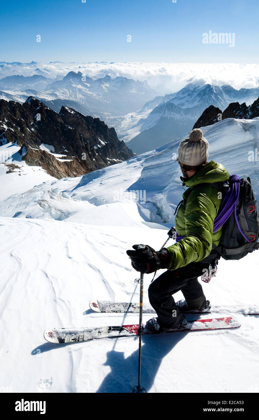 France, Hautes Alpes, Tour de la Meije, guide Pascal Guiboud in touring ski on Tabuchet Glacier above Refuge de - Stock Image