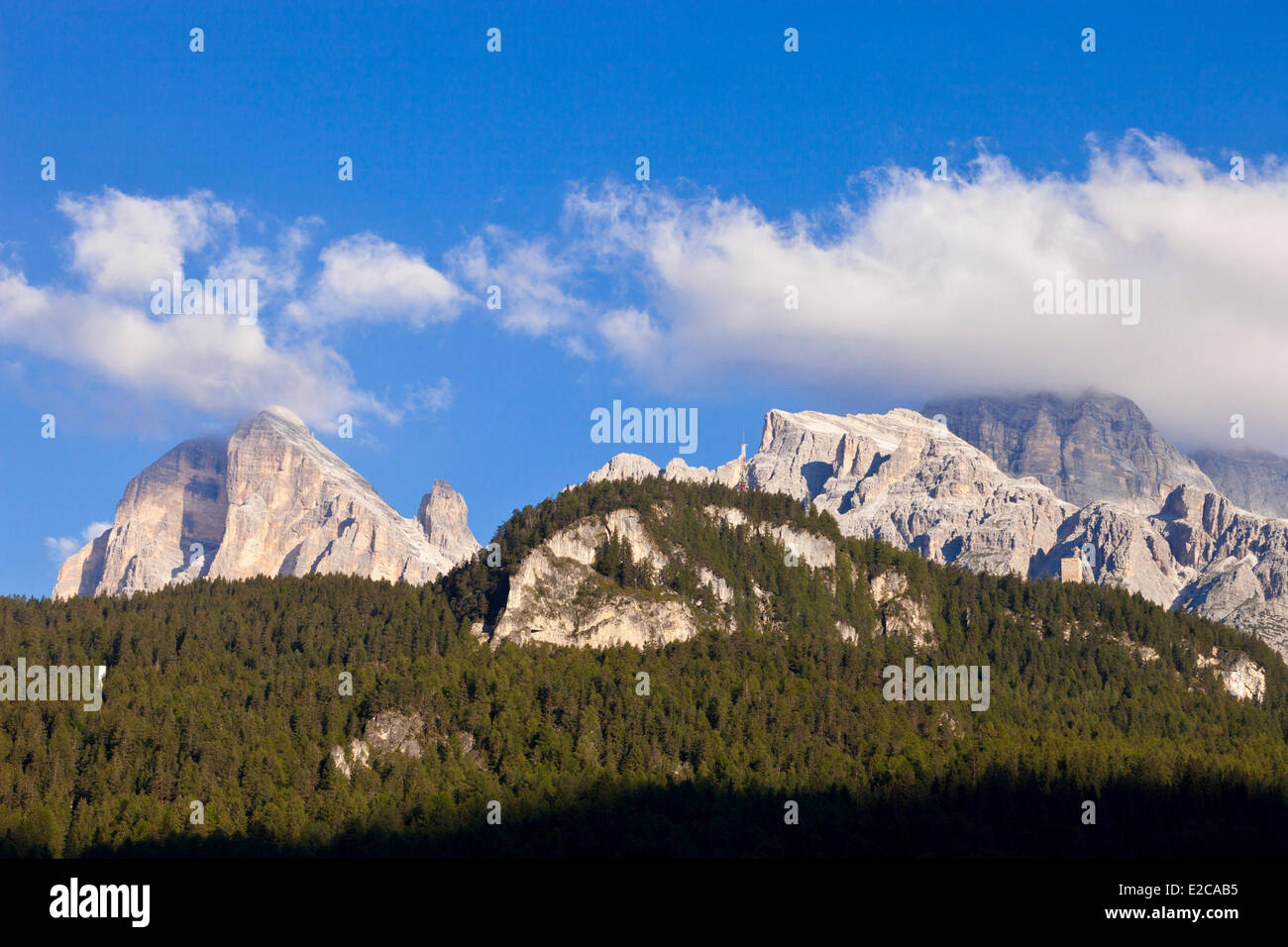 Italy, Venetia, province of Belluno, Dolomites, listed as World Heritage by UNESCO, peaks near Cortina d'Ampezzo - Stock Image