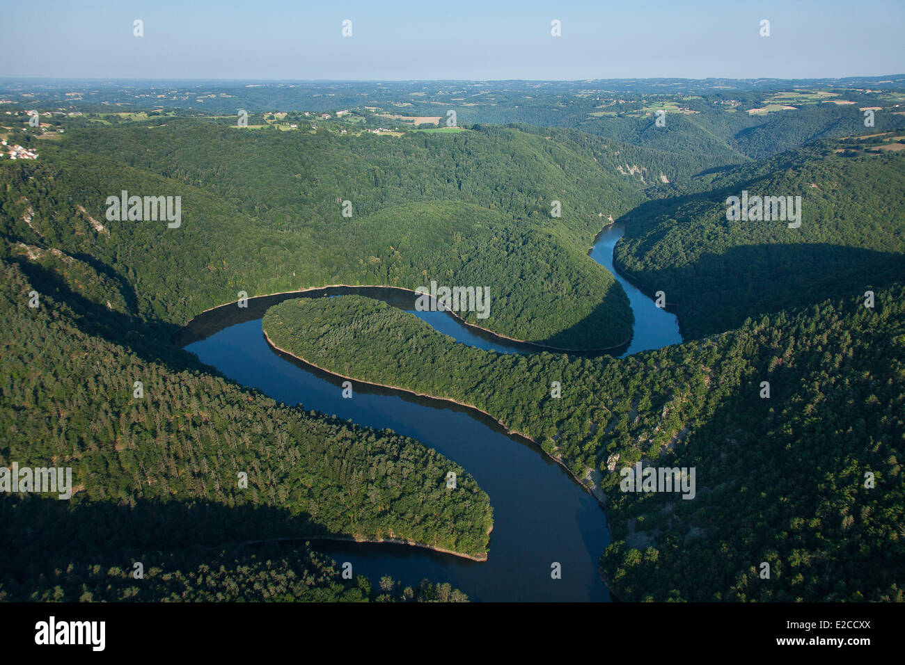France, Puy de Dome, Queuille, Queuille meander formed by Sioule river (aerial view) - Stock Image