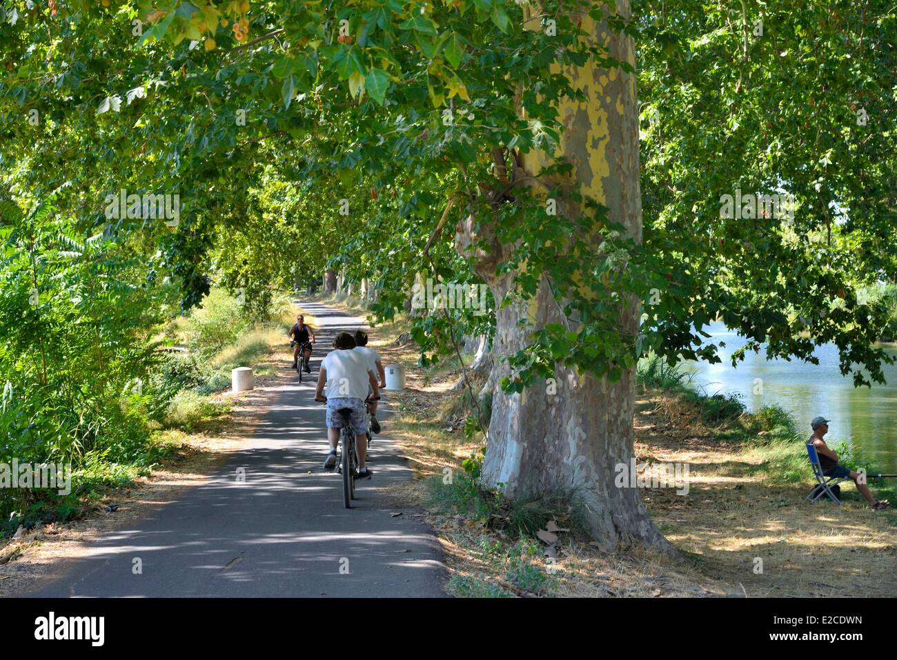 Canal Du Midi Bicycle Stock Photos & Canal Du Midi Bicycle