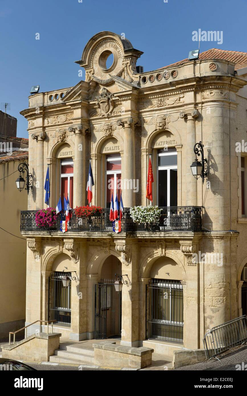 France, Herault, Servian, Marketplace, City hall - Stock Image