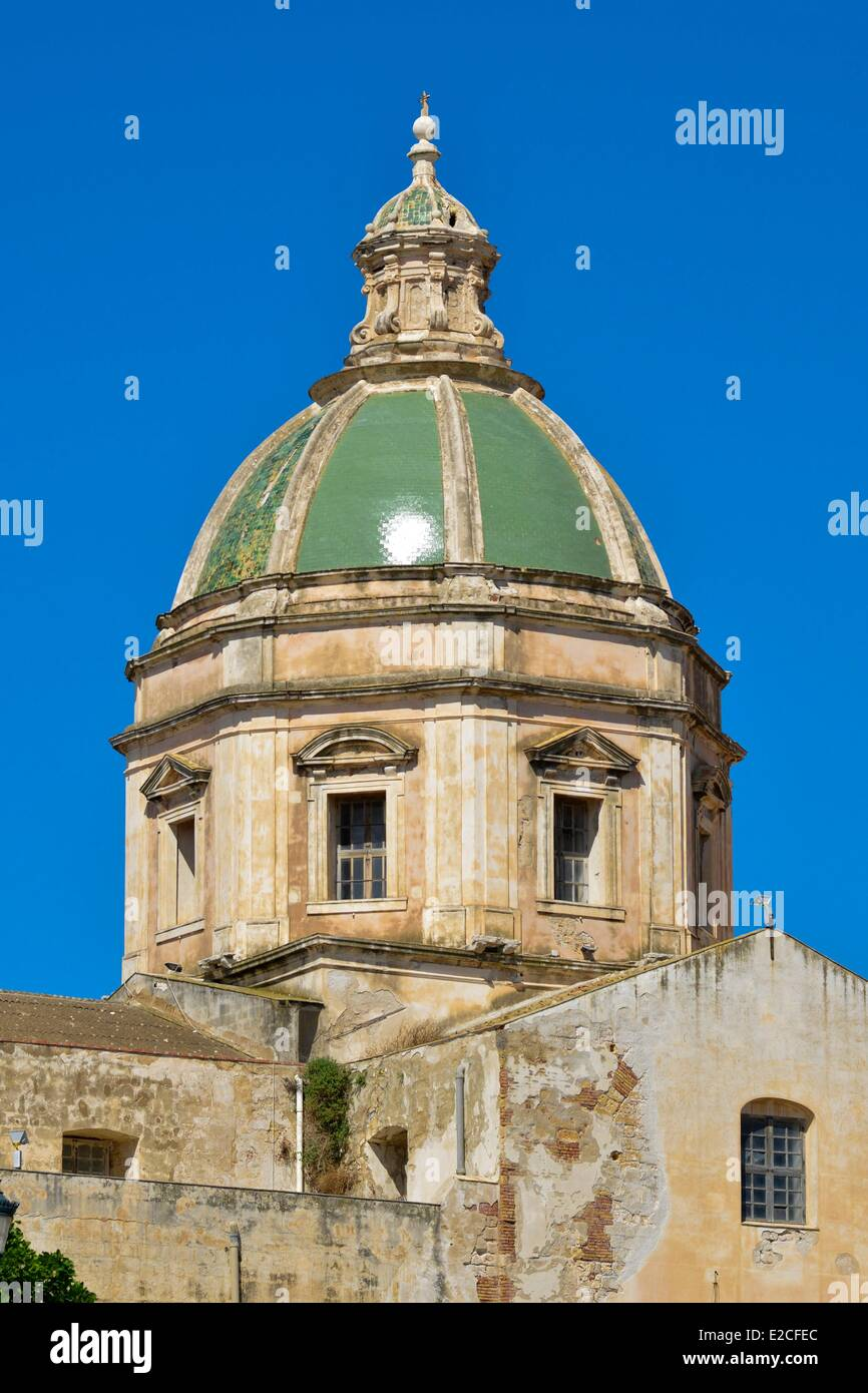 Italy, Sicily, Trapani, historic center, Church and hatch San Fransceco Assisi of the du XIIIth century and finished - Stock Image