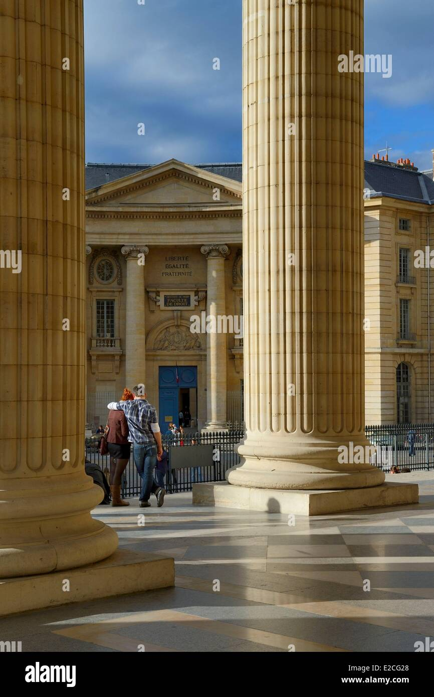 France, Paris, the Corinthian columns of the pediment of the Pantheon, the entrance of the Faculty of Law in the - Stock Image