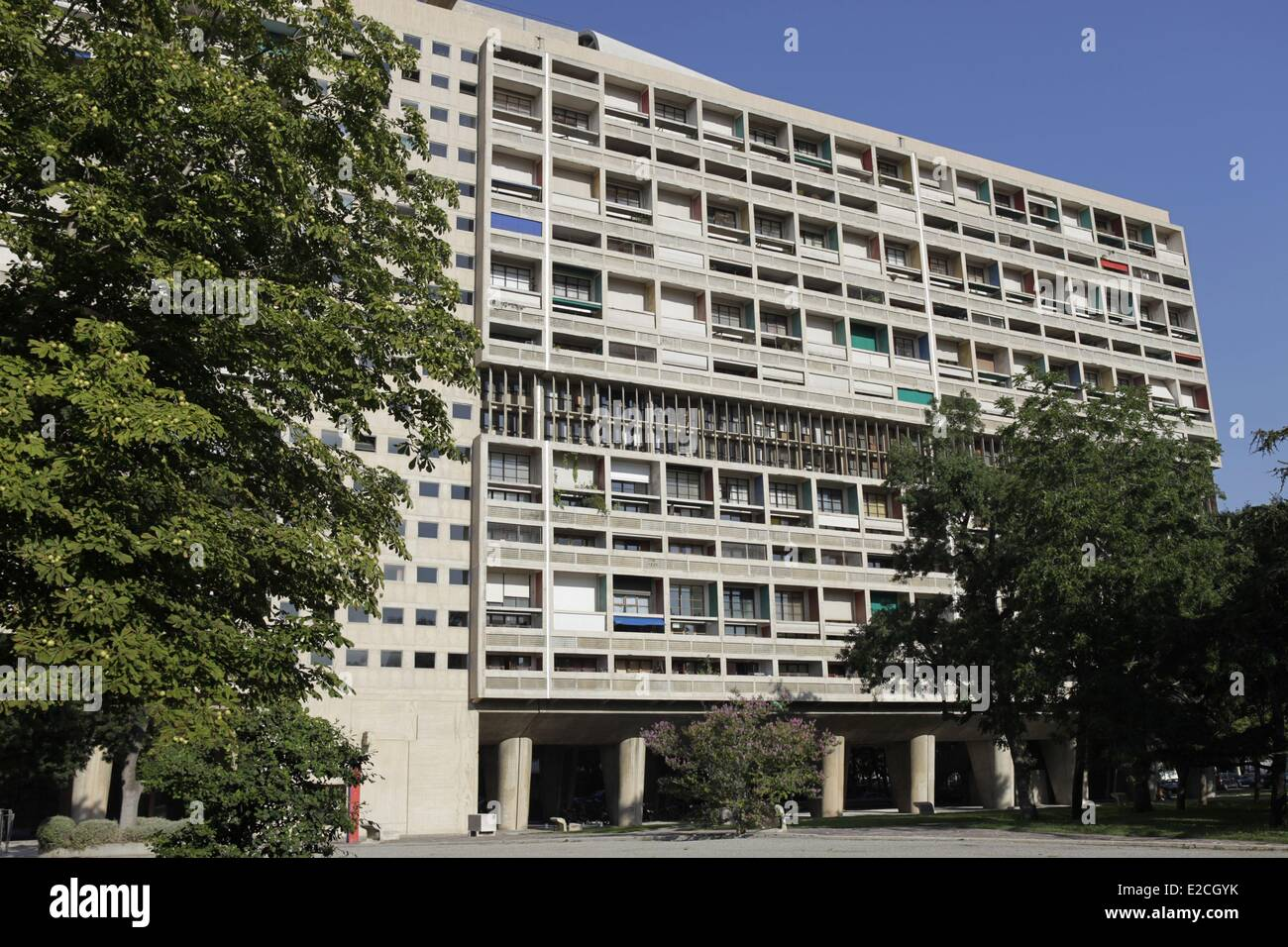 France, Bouches du Rhone, Marseille, Radiant Cite residential building by architect Le Corbusier - Stock Image
