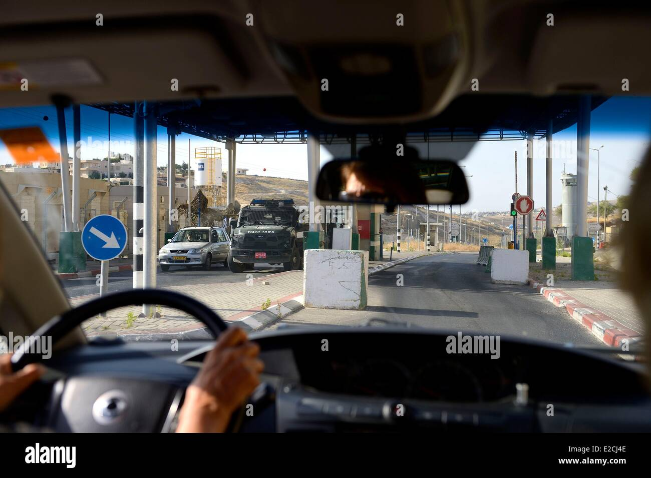 Israel, checkpoint near Har 'Homa in southeastern Jerusalem, a new colony founded in 1997 - Stock Image