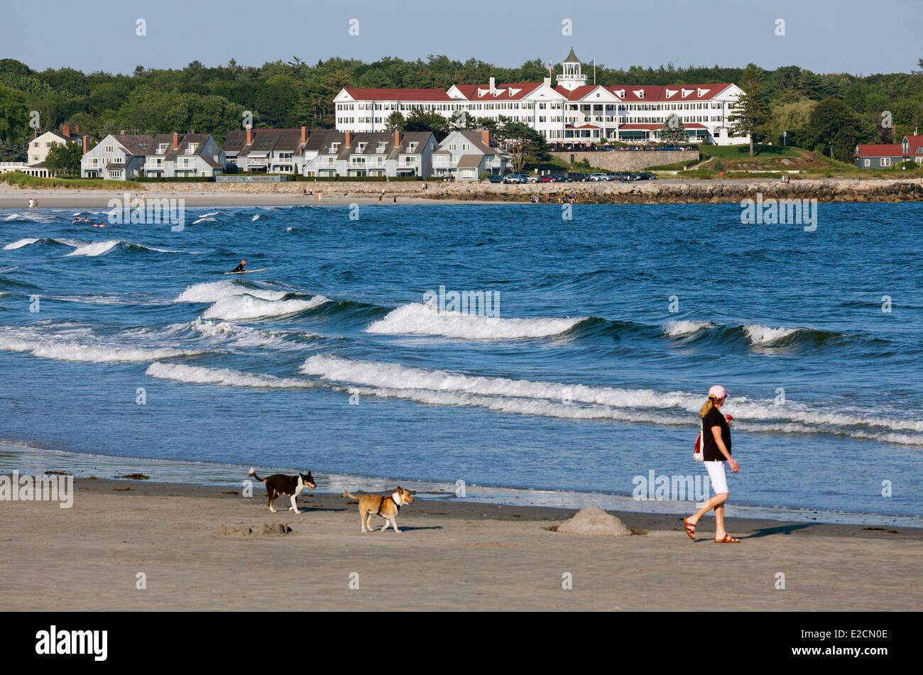 United States Maine Kennebunkport Kennebunk Beach the Colony Hotel in the background - Stock Image